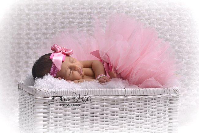 fotografia-profesional-especializada-en-bebes-recien-nacidos-fotomilenio